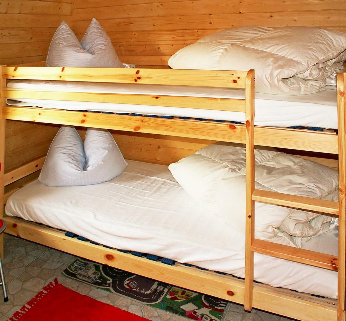 Blick In Das Schlafzimmer Mit Etagenbett