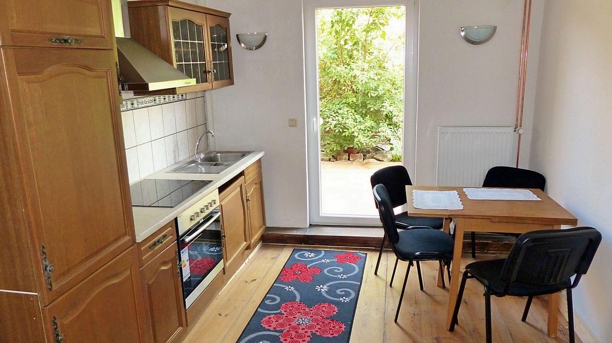 ferienwohnung nicht weit zum yachthafen von waren m ritz wohng 1 waren 176 f r 4 personen. Black Bedroom Furniture Sets. Home Design Ideas